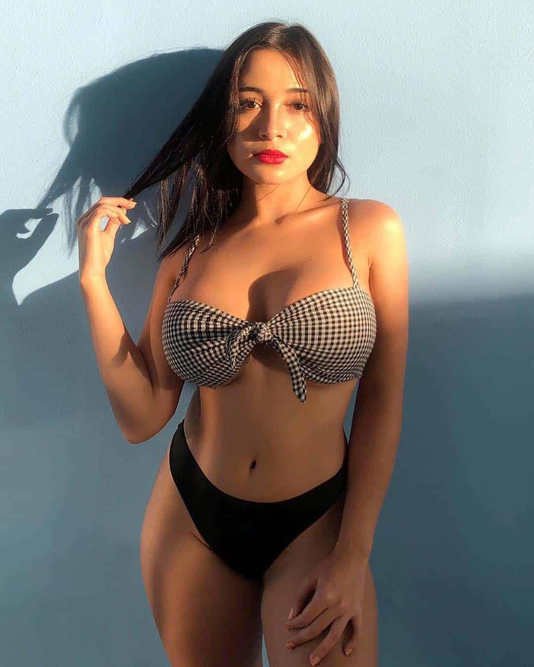 busty_vip_filipina_escorts_call_girls_in-1604528546-586-e