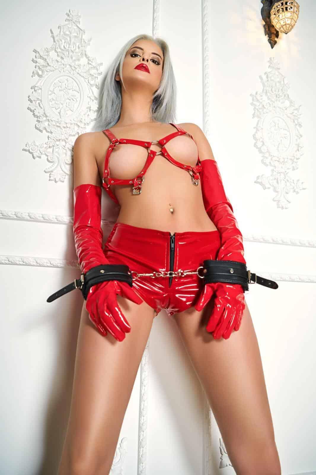 cezy_london_escort-1604507069-759-e