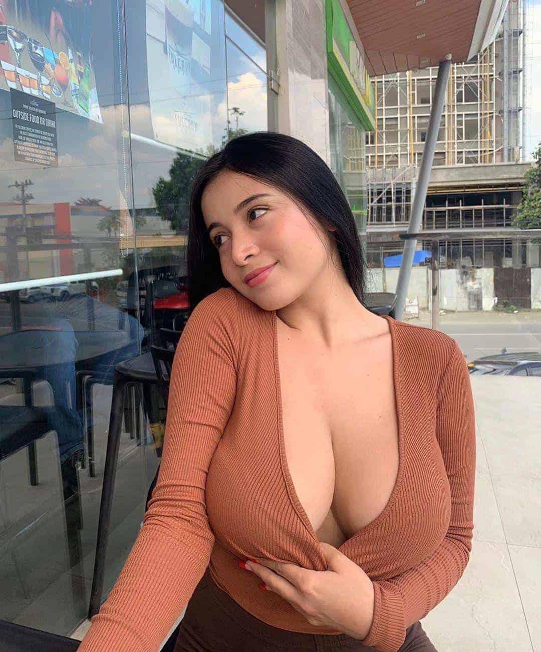 filipino_escorts_in_dubai_971589798305-1600517338-890-e